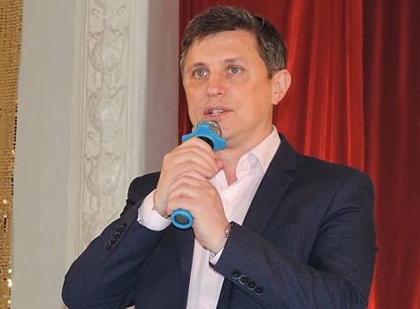 В Усть-Лабинске горожане собирают подписи в поддержку мэра Сергей Выскубова
