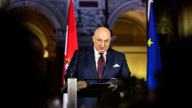 Возмущение и боль. Президент ЕЕК Вячеслав Моше Кантор прокомментировал марш латвийских эсэсовцев в Риге